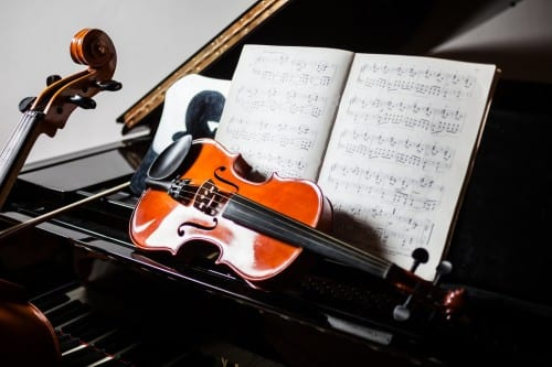Researchers Examine Brain Differences in Japanese, Western Classical Musicians