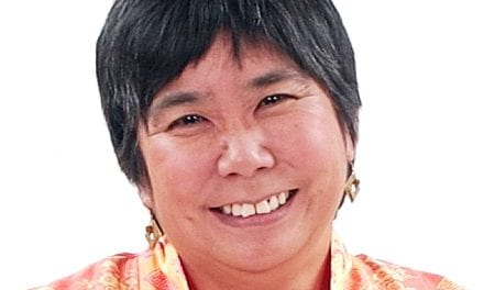 Yoshinaga-Itano Delivers Marion Downs Lecture at AAA 2015
