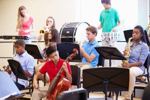 Music Training Hones Hearing, Language Skills in Teens