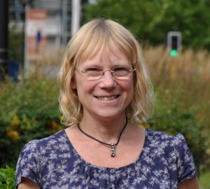 Professor Lucy Yardley is professor of Health Psychology at University of Southampton and University of Oxford.