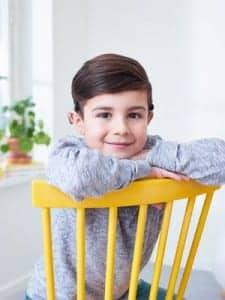 Child wearing the Cochlear Baha SoundArc (PRNewsfoto/Cochlear Limited).