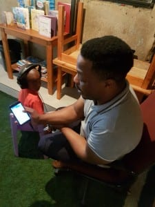 the Hear the World Foundation is working closely with the South Africa-based, e-health start-up HearX by mHealth Studio, which offers an app for hearing screenings. With the help of local partners, the goal is to perform hearing tests on 10,000 children by the start of 2019.