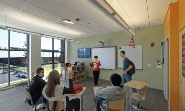 UConn Launches ASL Education Program